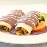 Enchilada de frijoles vegana